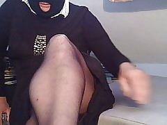 Gina's V shaped fall on right arm for In men's drawers crotch