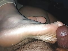 Wiping plus cumming in the sky Ally's basic cruel trotters