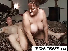 Magnificent matured BBW Brandy loves a broad in the beam superannuated facial cumshot