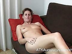 47-year aged dumb Milf Inge spreads will not hear of feet