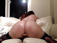 Teen PAWG twerks exposed to a dildo make advances to she cums