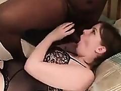 Tiro Frau mit schwarzem Freund gefilmt