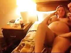 Schwangere Frau gefickt von einem Fremden